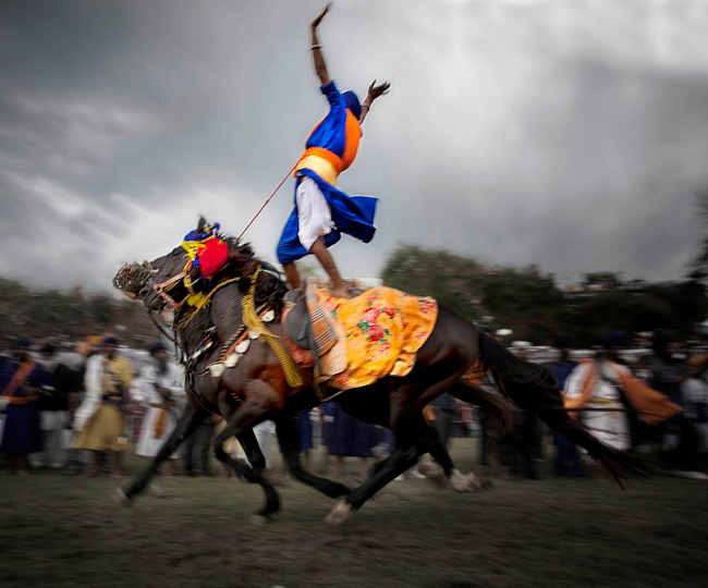 Hola Mohalla – Shining Swords reflect the brilliance of Sikhism